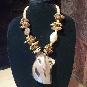 Jewelry - Vintage Hawaiian shell necklace tribal necklace